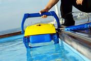 Mon robot de piscine n'avance plus, que faire ?