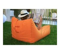 fauteuil gonflable orange de piscine