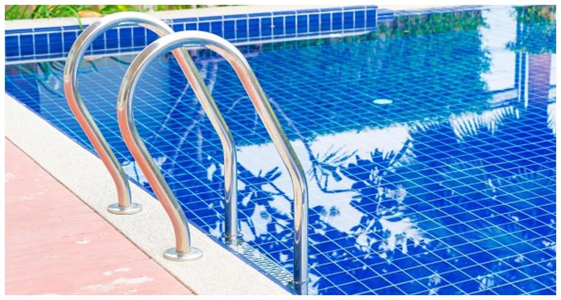 échelle mixte inox pour piscine enterrée