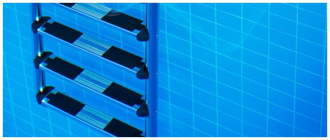 échelle asymétrique pour piscine enterrée non compatible électrolyse