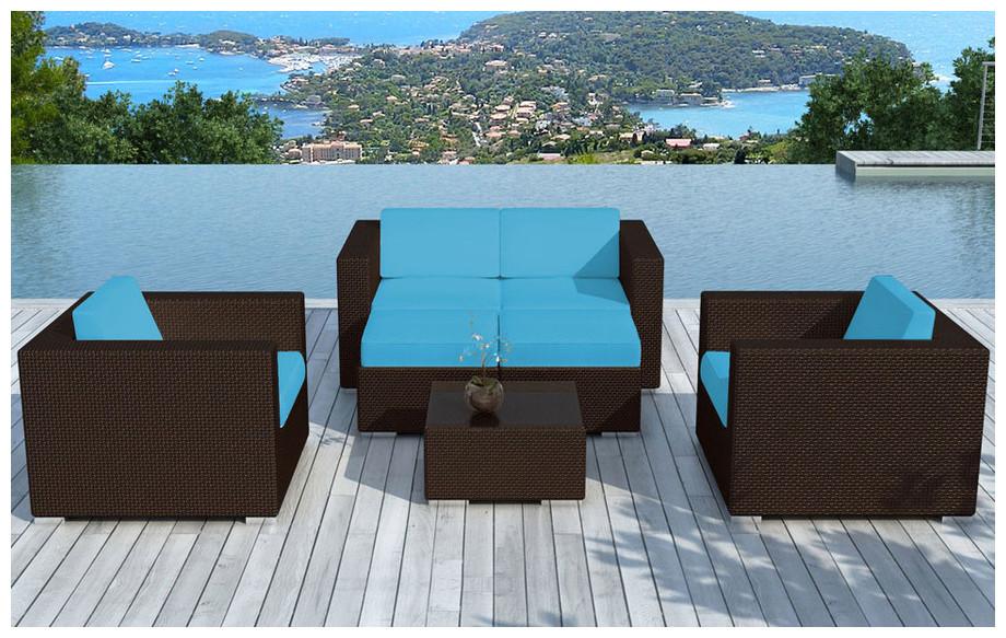 salon alhena avec coussins bleus et r sine tress e jardin. Black Bedroom Furniture Sets. Home Design Ideas