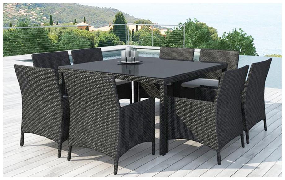 Table et chaises de jardin en résine tressée Delorm