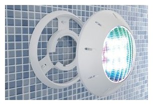 Eclairage piscine led adaptable conomie d 39 nergie for Eclairage piscine hors sol sans percage