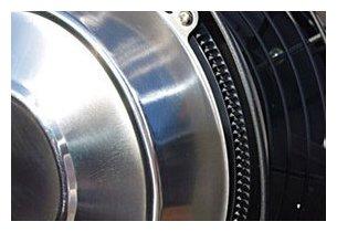 Détail du ventilateur brumisateur d'extérieur OFresh 180 cm en situation