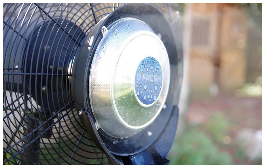 Diffusion de la brumisation du ventilateur brumisateur d'extérieur 180 cm OFresh en situation