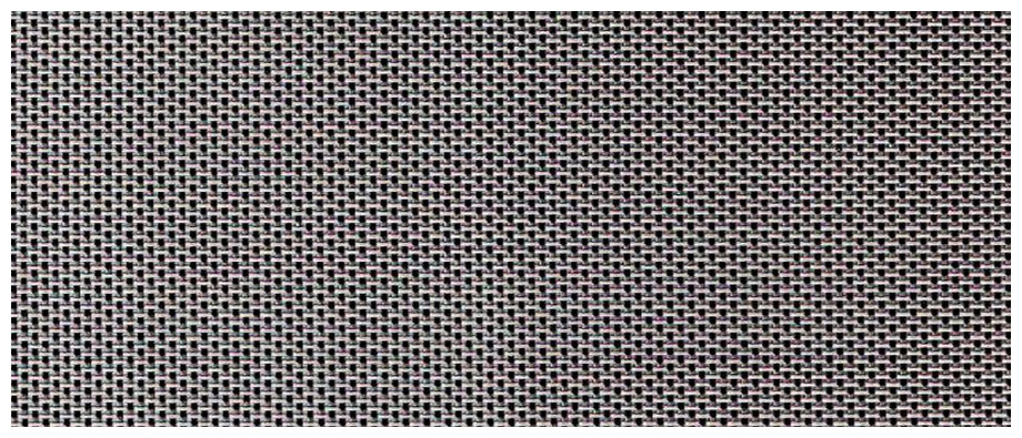 Détail du textilène gris des chaises du salon de repas de jardin haut en aluminium peint blanc Sydney