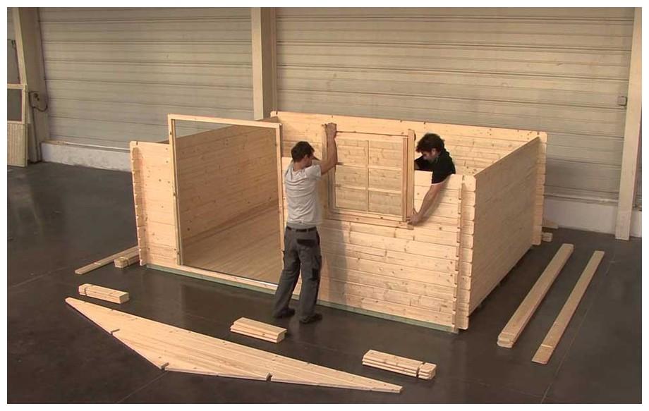 détail des matériaux de l'abri en bois de jardin Honey double porte Luoman en situation