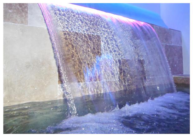 lame d 39 eau d corative pour piscine piscine center net. Black Bedroom Furniture Sets. Home Design Ideas