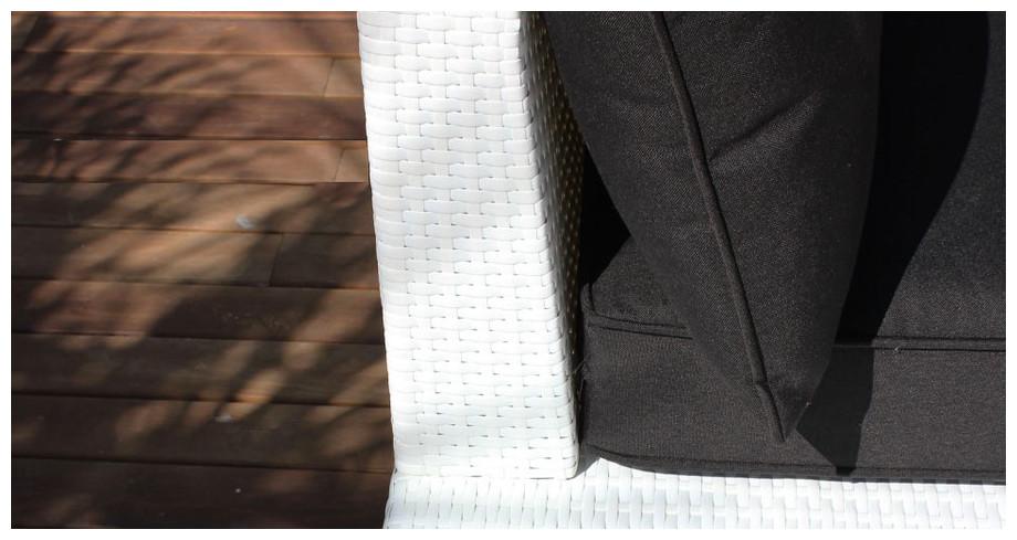 Tissus spun-polyester du salon de jardin bas d'extérieur en résine tressée plate blanche Hawai noir