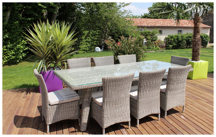 Ensemble repas de jardin en r sine gris clair 8 places piscine center net for Table ronde en resine tressee