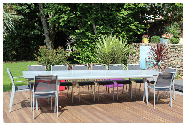 Adelaide salon haut de jardin table et chaises 10 for Table a rallonge 12 personnes
