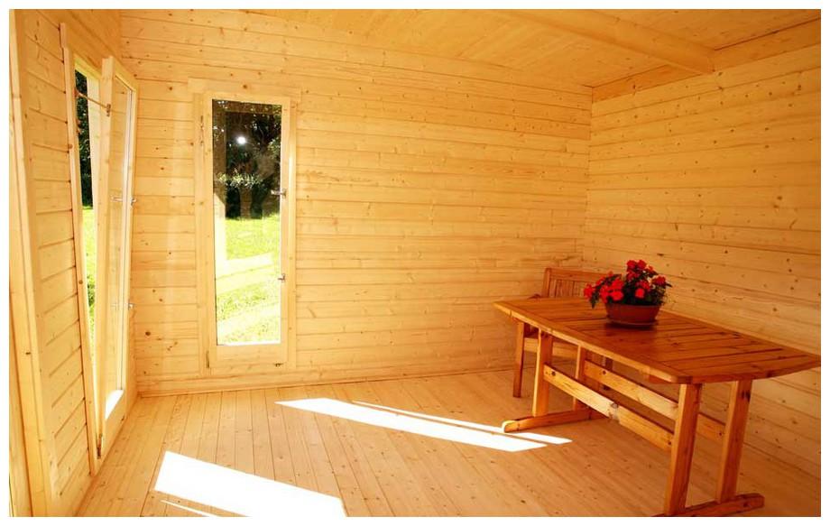 Intérieur de l'abri de jardin en bois Barbados 1 Lasita Maja en situation