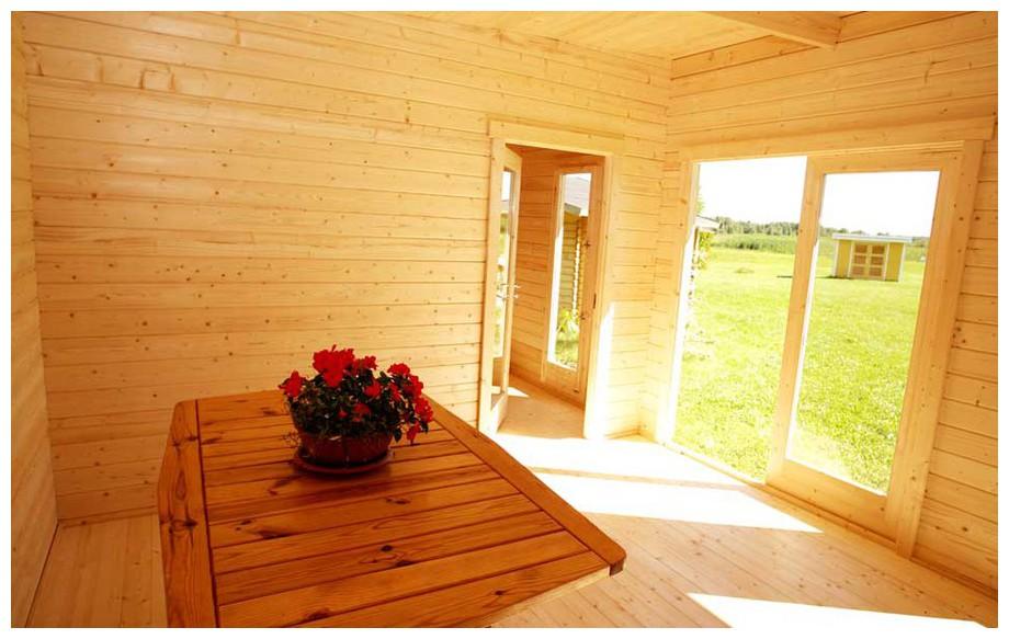 détail de l'intérieur de l'abri de jardin en bois Barbados 1 Lasita Maja en situation
