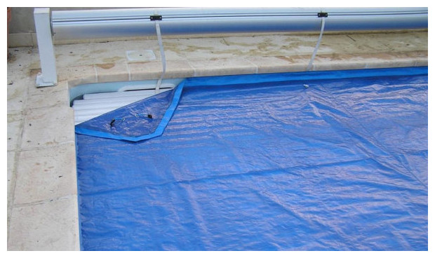 Nova plus la couverture de protection pour volet piscine center net - Bache d hivernage ...