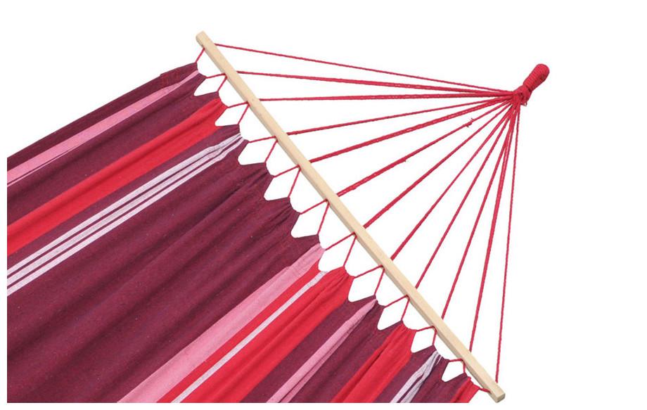 détail de la baguette et des cordes nouées du hamac Samba en situation