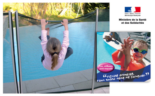 Acc s limit et s curit garantie barriere souple for Barriere piscine plexiglass