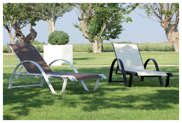 transats empilables avec dossier r glable jardin. Black Bedroom Furniture Sets. Home Design Ideas