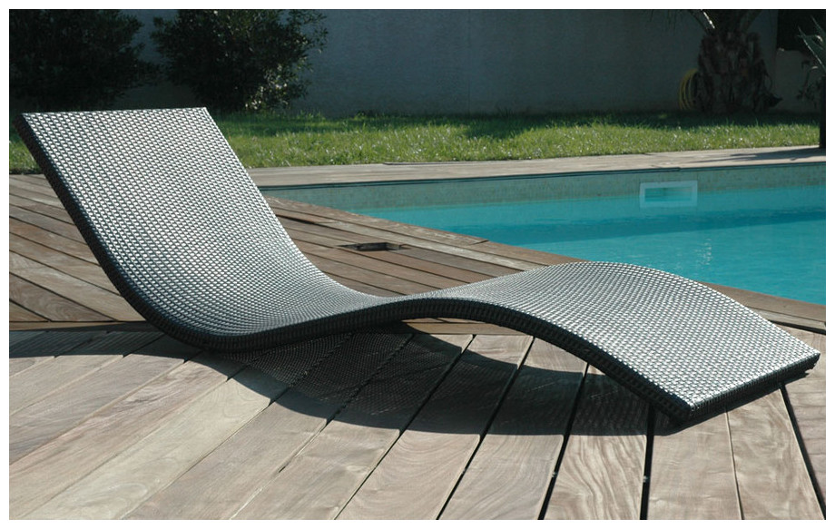 Bain de soleil easy quiet sobre et design piscine center net for Transat terrasse design