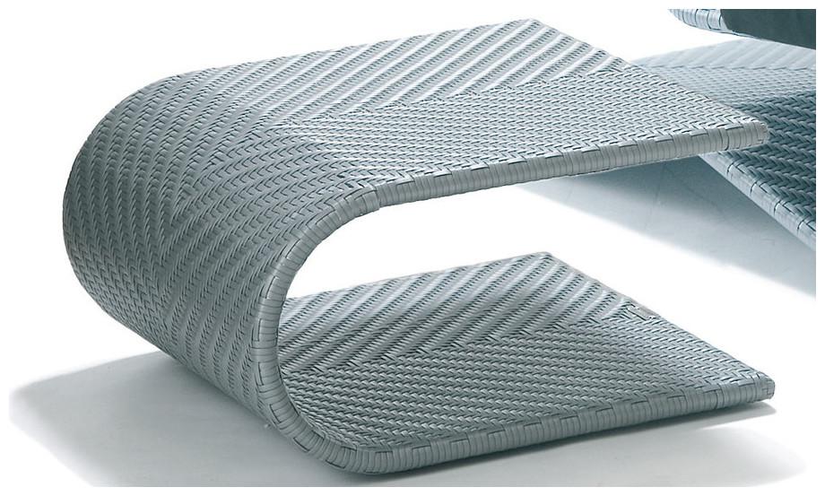 Détail du fauteuil Equinoxe en résine diamant gris argent