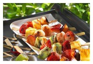 Fruits grillés sur plancha à gaz CLG 600 Roller Grill en situation