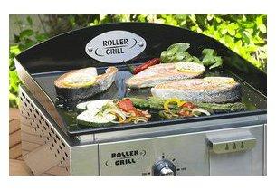 Plancha PL400E Roller Grill en situation de grillade poisson