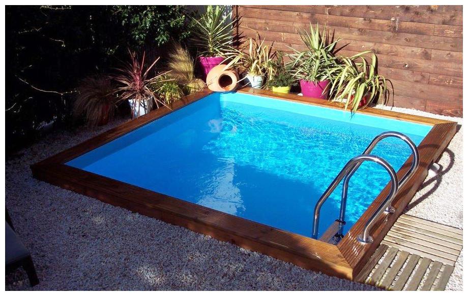 piscine bois en kit à monter Woodfirst Original carrée mise en situation