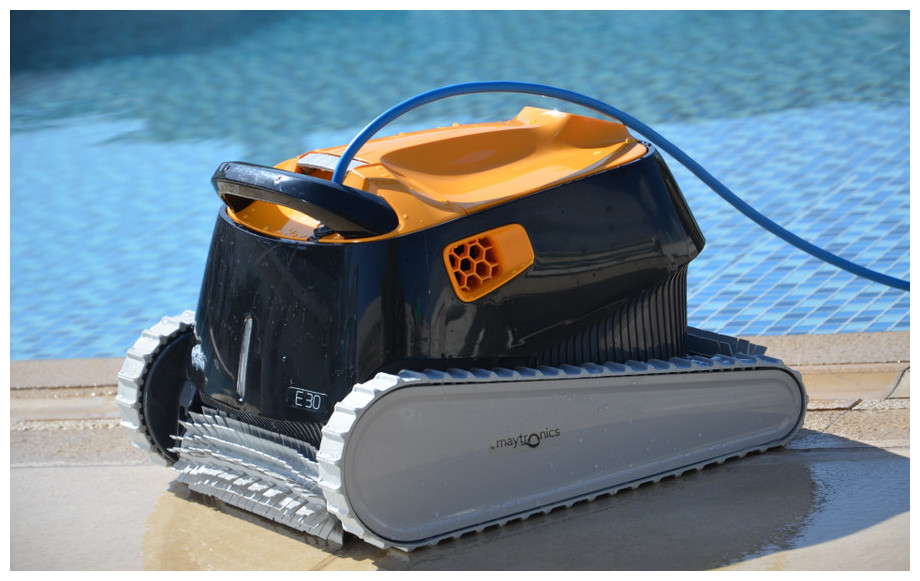 Dolphin e 30 robot lectrique pour piscines enterr es for Dolphin robot piscine