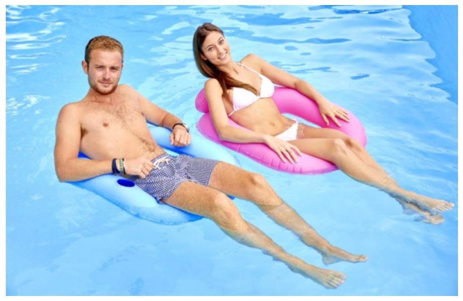 Deux sièges flottants couleur Kerlis pour piscine