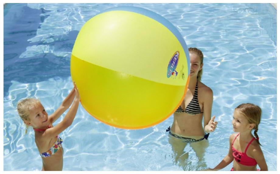 Ballon géant coloré Kerlis pour jeux de piscine