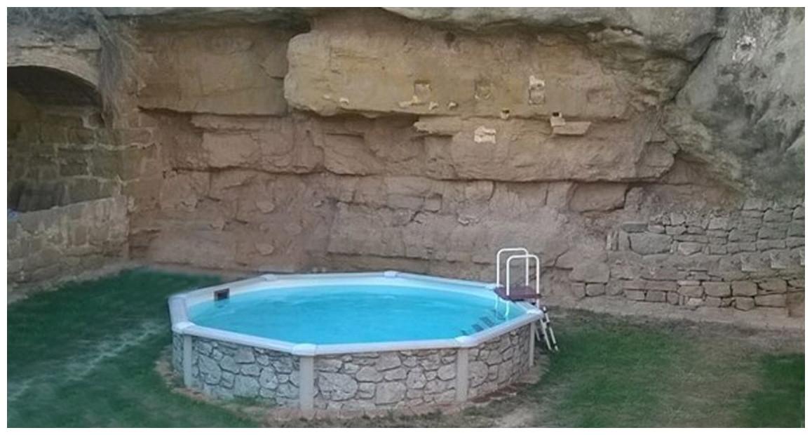 piscine hors sol acier aspect pierre gré en situation