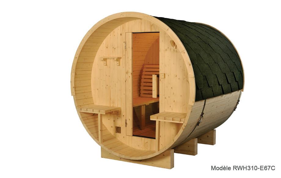 sauna vapeur en pin de forme de tonneau en situation