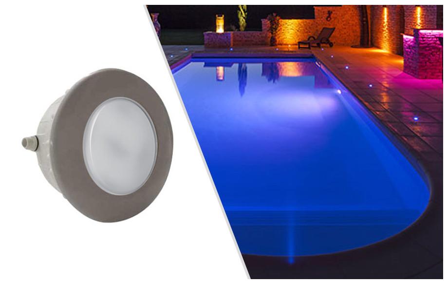 projecteur led rgb gris pour piscine béton et liner Astral en situation