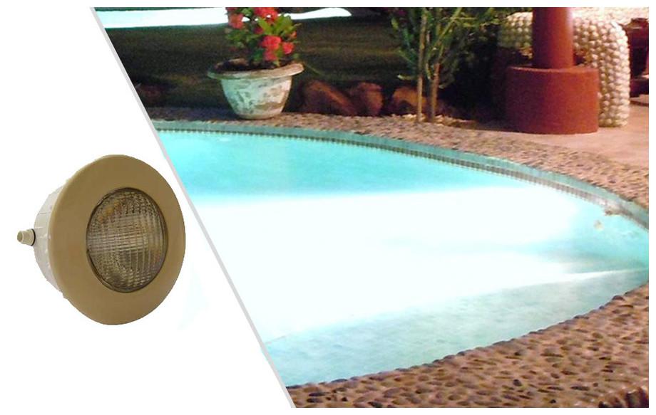 projecteur led sable 1.14 lumière blanche pour piscine béton et liner en situation