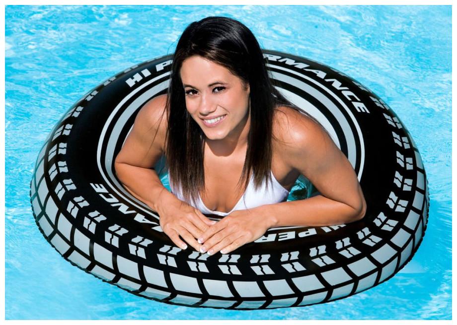 bouée gonflable piscine en forme de pneu intex