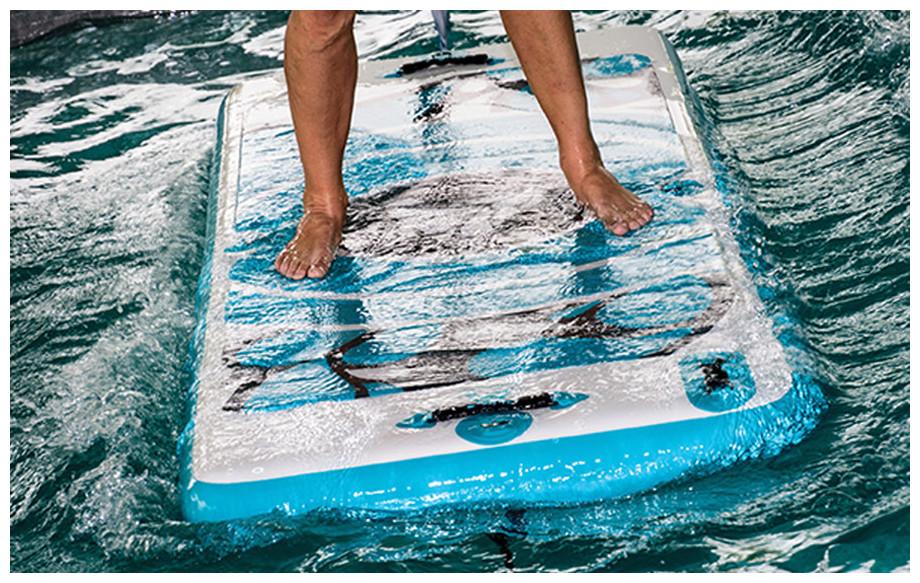 tapis flottant Aquafitmat pour piscine en situation