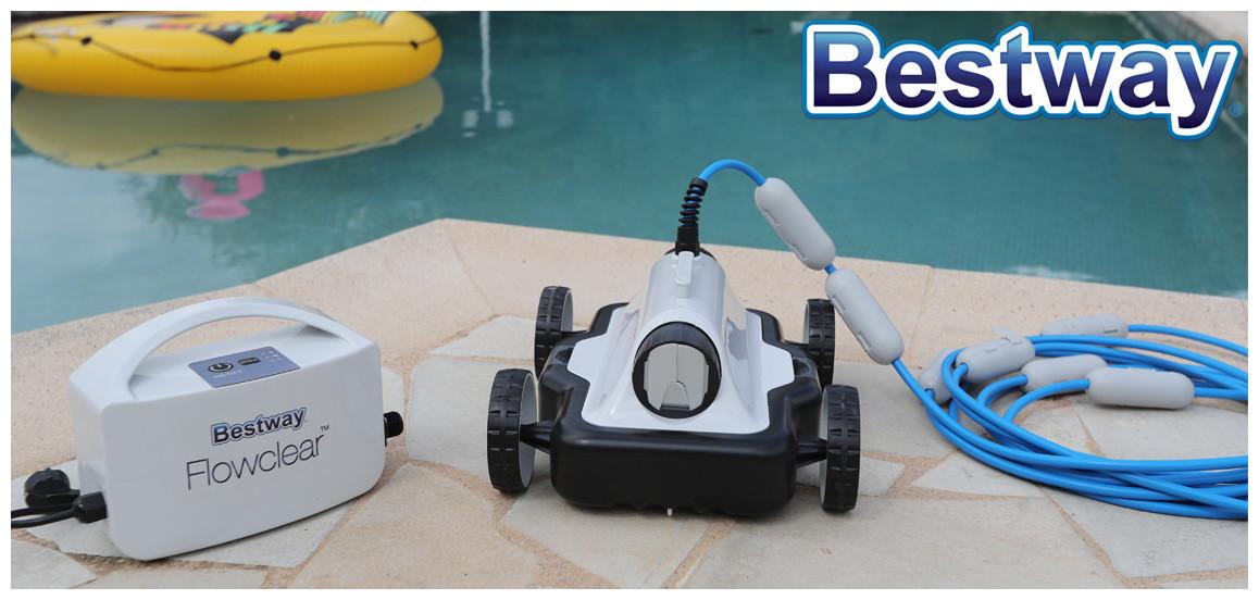 robot pour piscine à fond plat Mia bestway en situation
