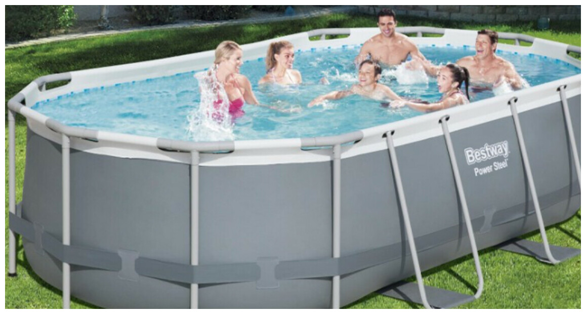 piscine hors sol tubulaire bestway power steel ovale en situation