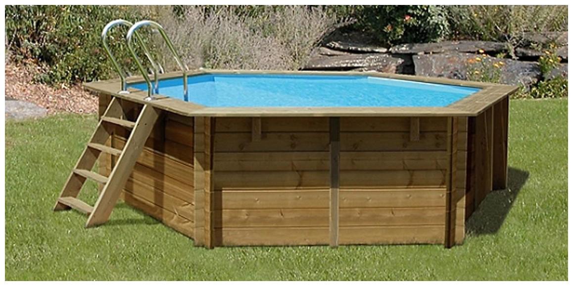 piscine bois hexagonale Vanille Premium Plus en situation