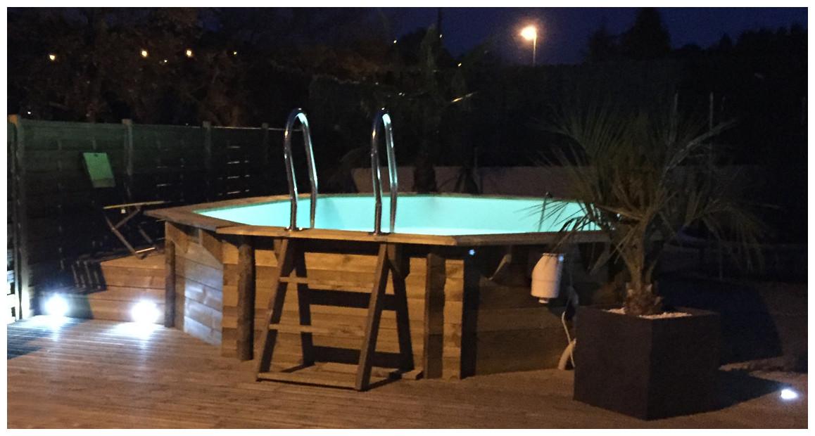 détails de la piscine bois woodfirst hexagonale vanille premium plus