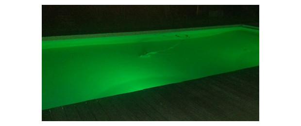 lampe led piscine couleur