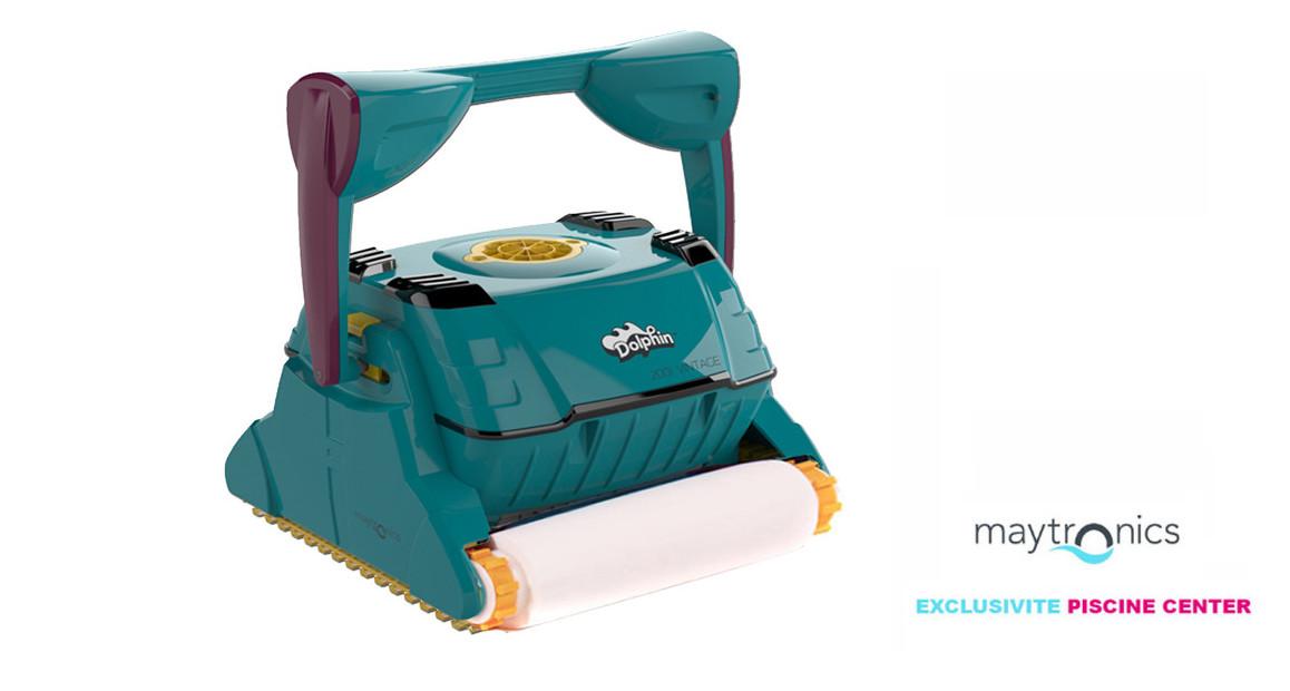 robot autonome nettoyeur de piscine dolphin 2001 Vintage en situation