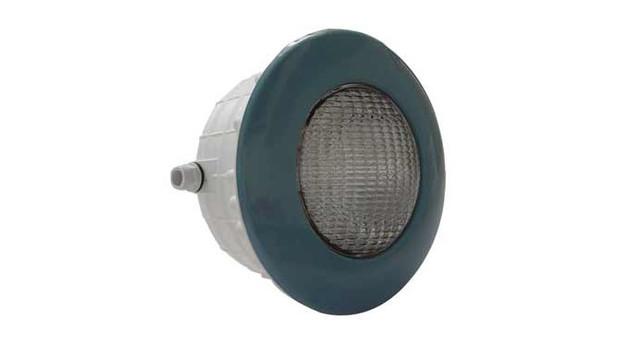 projecteur bleu piscine béton et liner