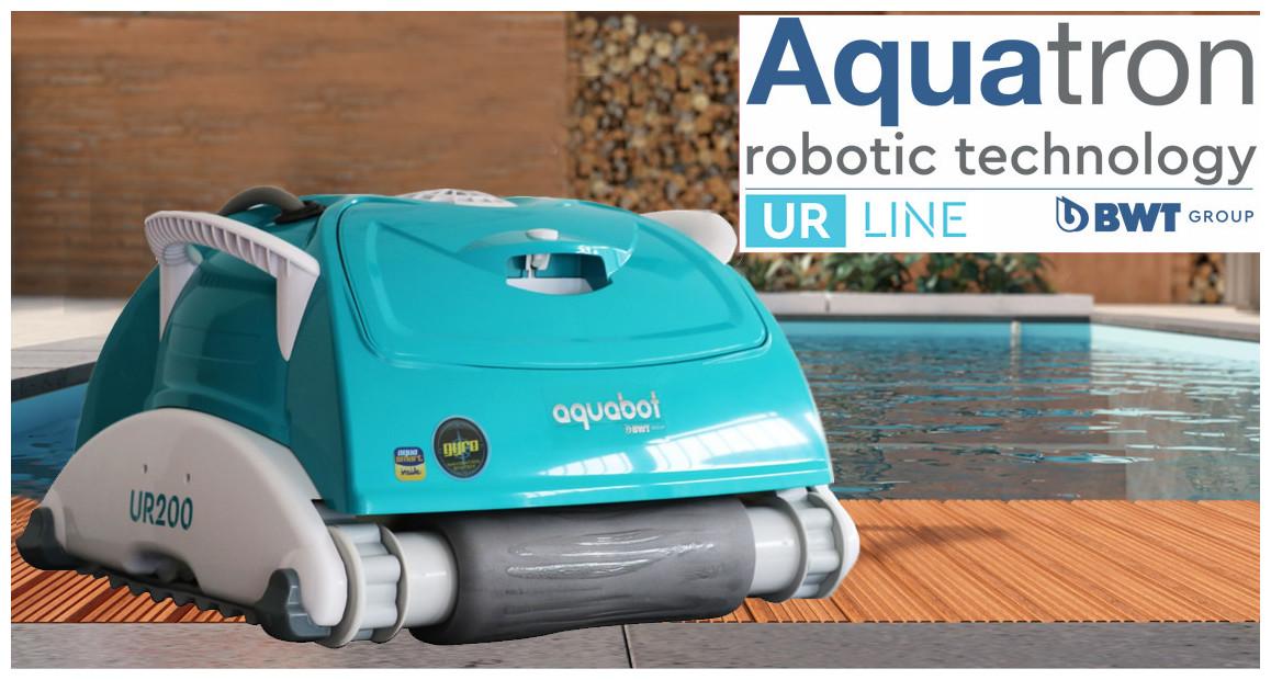 robot nettoyeur fond de piscine UR200 BWT en situation