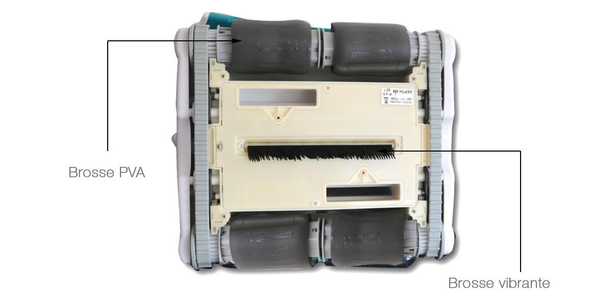 brosse PVA et brosse vibrante du robot piscineUR300 BWT