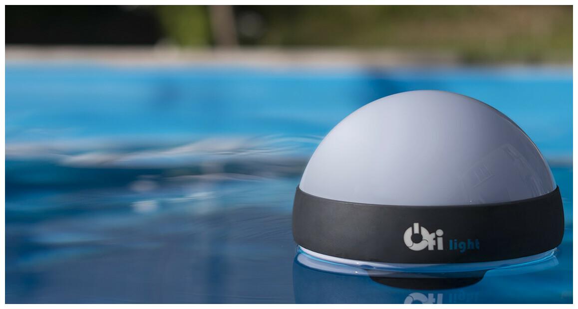 Analyseur d'eau de piscine connecté OFI Light en situation