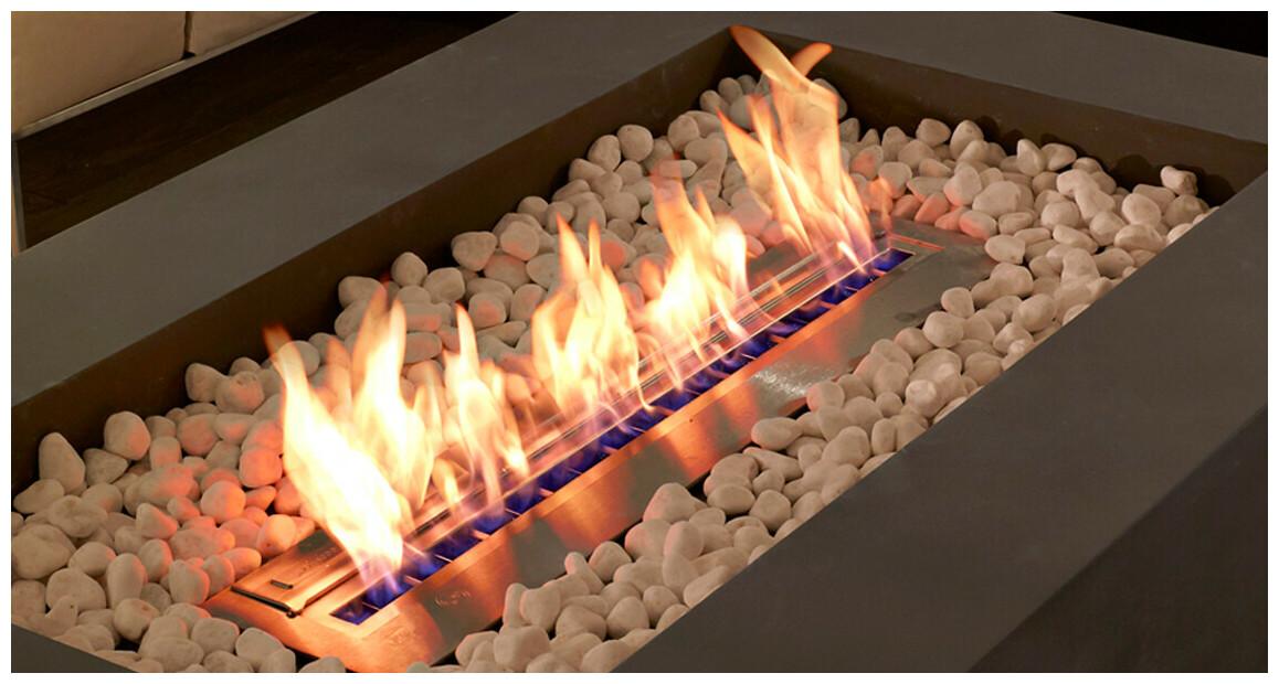 flamme stable et harmonieue de la cheminée extérieure au bio éthanol ecosmart fire Wharf 65