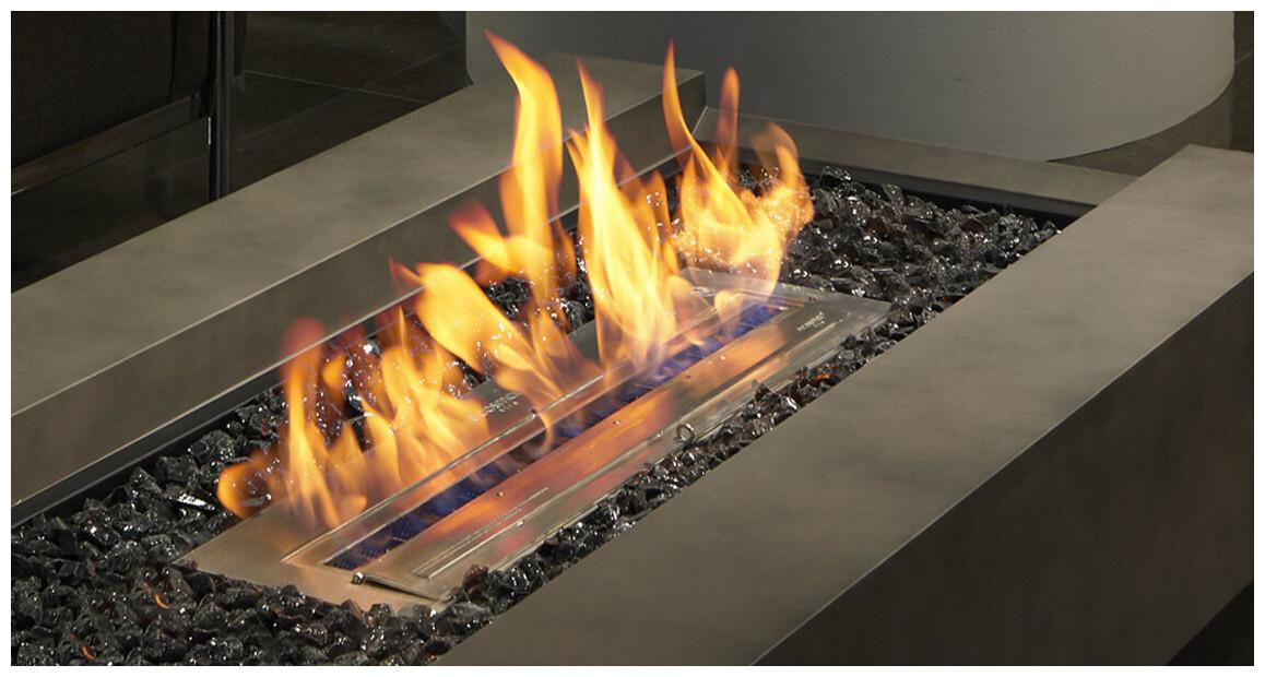 combustion de la cheminée d'extérieur cosmo 50 ecosmart fire
