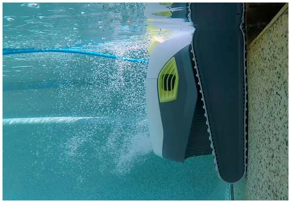 zoom sur le robot nettoyeur de piscine Dolphin T30