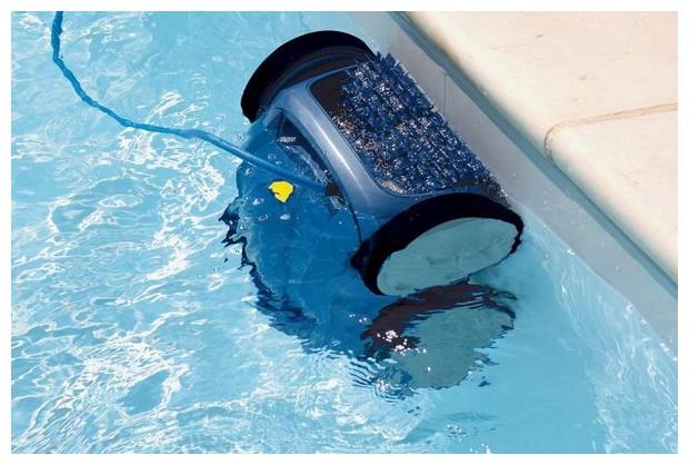 Nettoyage de la ligne d 39 eau vortex 3 for Robot piscine zodiac vortex