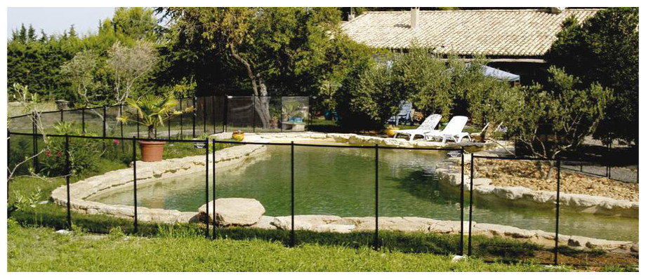 barri re de protection amovible pour piscine piscine center net. Black Bedroom Furniture Sets. Home Design Ideas